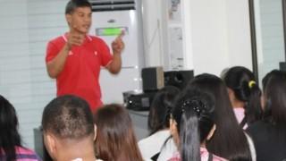 マニラスタジオ開講中!新しい講師の先生をご紹介いたします。